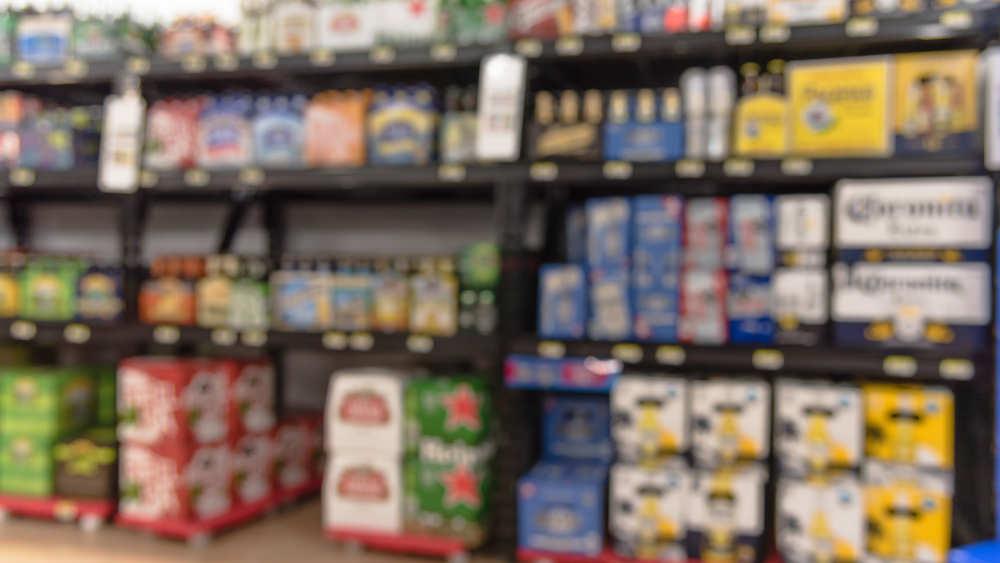 「初めて見たパッケージのビール」と「テレビCMで見たことがあるビール」  あなたは、2種類とも飲んだことが無いとして、どちらのビールを選択しますか??